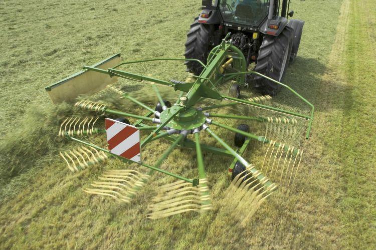 krone swadro 35 38 42 46 single rotor rakes sales and service rh ongmac com au Krone Hay krone rake manual