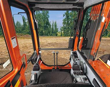 Delux cab KX080-3S 8.2 - 8.3 Tonne Zero Swing Excavator