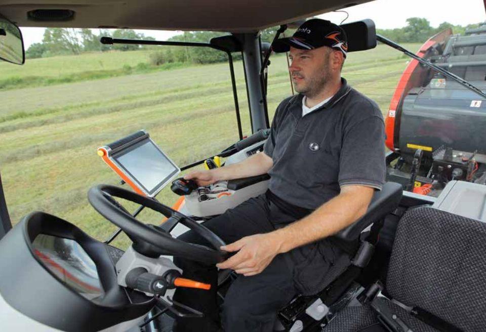 Kubota M7 Series Diesel Tractors - 128 0-168HP Sales And Service