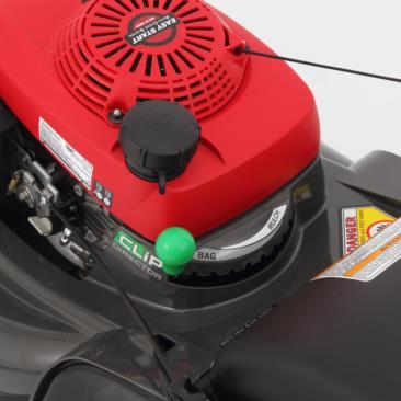 Honda HRX217HYU Lawnmower lifestyle4 main Honda HRX217HYU